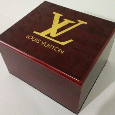 Фирменная коробка для часов Louis Vuitton