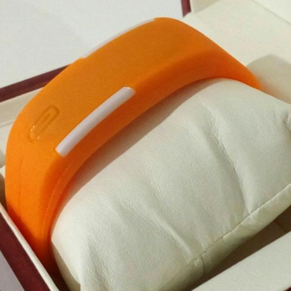 Спортивные светодиодные наручные часы-браслет