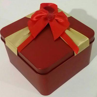 Квадратная подарочная коробка из металла
