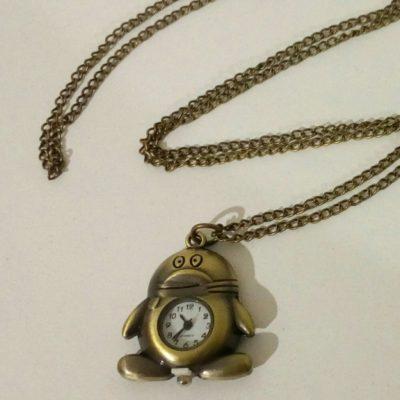 Часы-брелок пингвинёнок