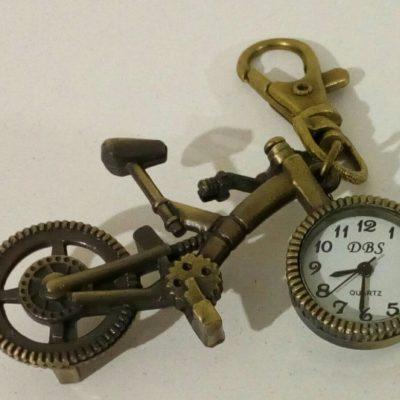 Часы-брелок велосипед